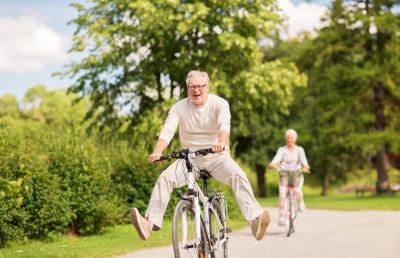 Riester Rentner auf dem Fahrrad